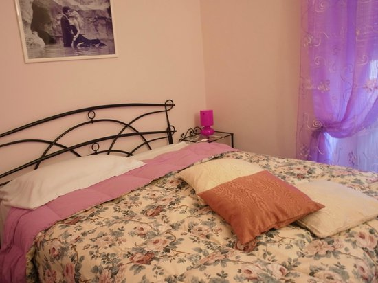 Amica Roma B&B: Спальня