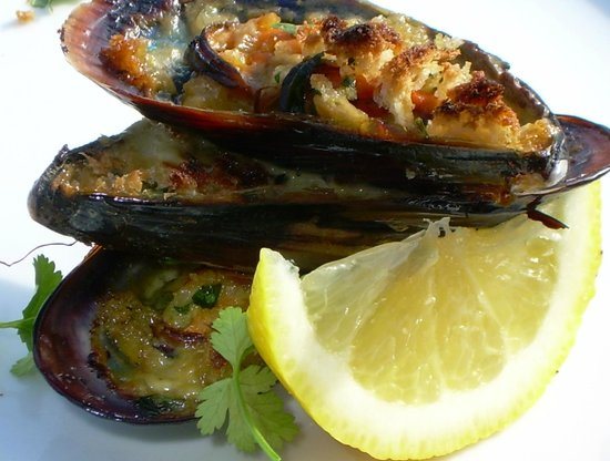 Salmonberry Inn & Beach House: Mussels in Saffron Cream Sauce