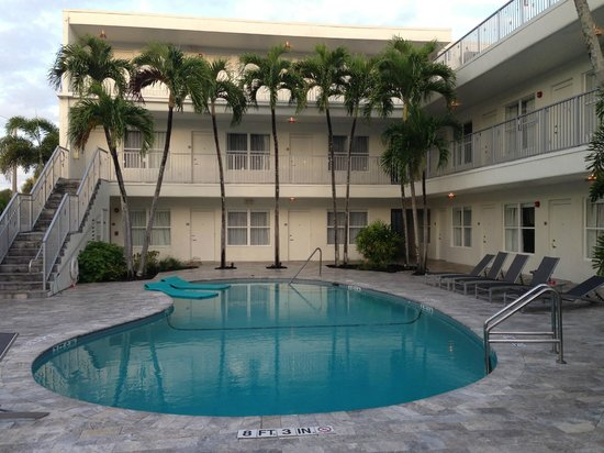 Royal Palms Resort & Spa: Back Pool. Great area if you want some quite time away from the more active pool up front