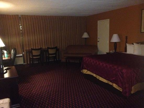 Days Inn Easton: very nice suite...