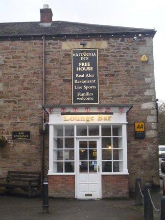 The Britannia Inn & Waves Restaurant: front door