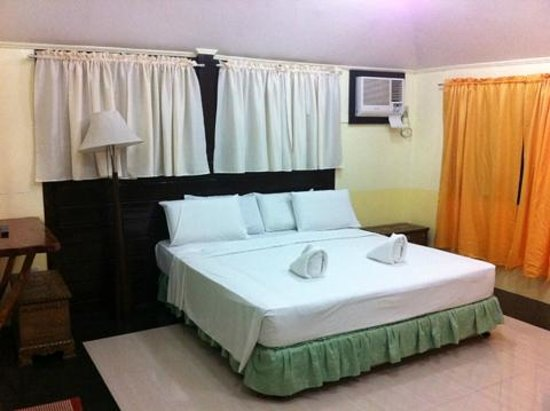 "Dumaluan Beach Resort: Galilee ""executive"" room"