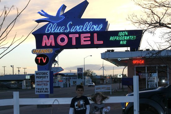 Blue Swallow Motel: a windy sunset at the Blue Swallow