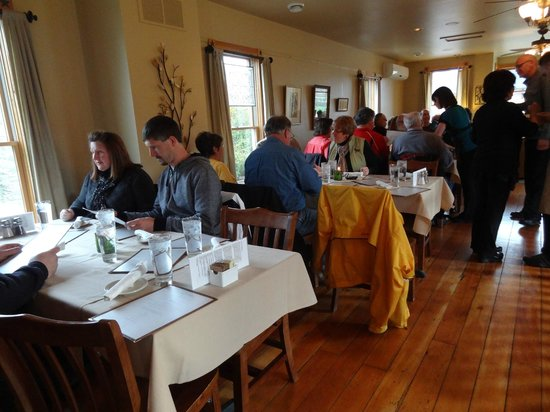 Otto's Place : upstairs tables