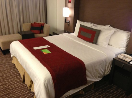 Courtyard Tokyo Ginza Hotel: Room
