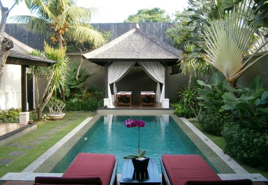 The Ulin Villas & Spa: View from kitchen/dining area