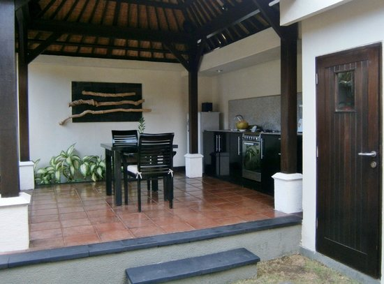 The Ulin Villas & Spa: Meals are beautifully prepared here