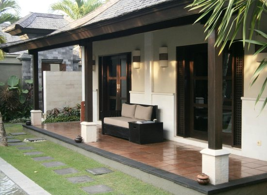 The Ulin Villas & Spa: Bedroom and Lounge room both air-conditioned