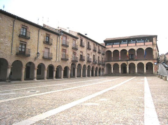 ‪Plaza Mayor de Siguenza‬
