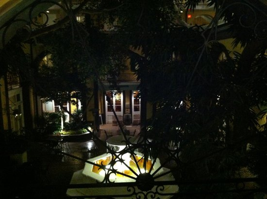 Hotel Mazarin : Courtyard view from my room at night.
