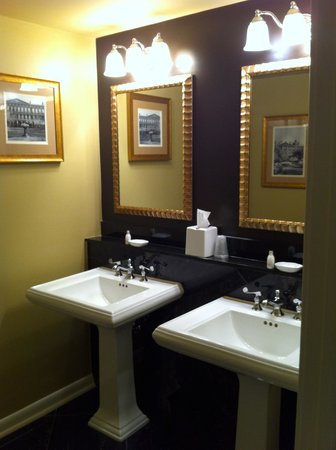 Hotel Mazarin : Superior King: Bathroom