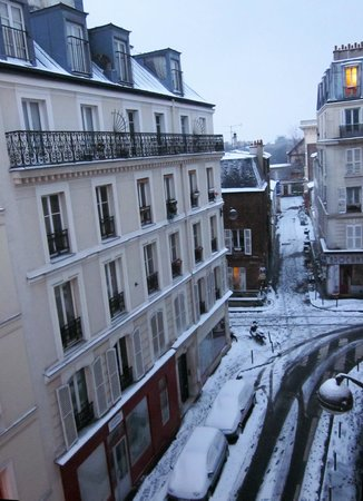 ‪‪Le Relais Montmartre‬: Pretty view in the snow‬