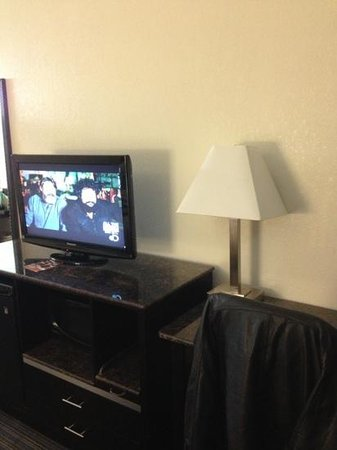 Red Roof Inn Chattanooga Airport: TV
