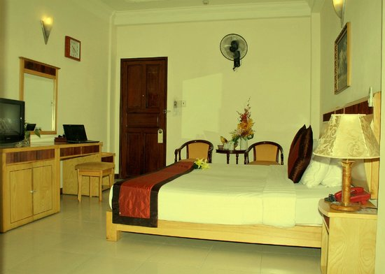 Nam De Hotel: Superior Room Free Pick Up when book from 2 nights