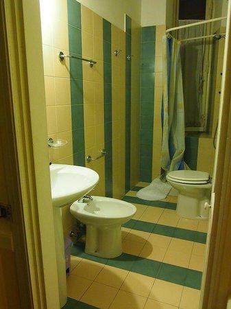Residenza Maritti: bathroom