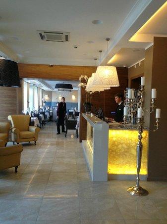 Astor Riga Hotel & Conference: Hotel Enterence