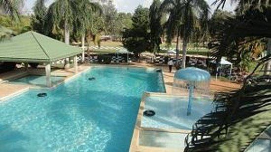Silver Oak Resort : Simming pool
