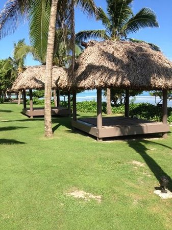 InterContinental Fiji Golf Resort & Spa: beach front