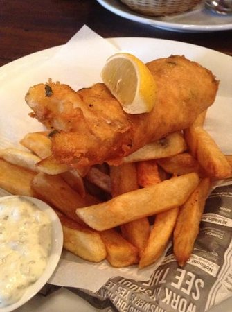 The Magnificent Fish & Chips Bar: nice fish but soggy chips