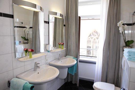 Hotel Am Markt: bathrooms