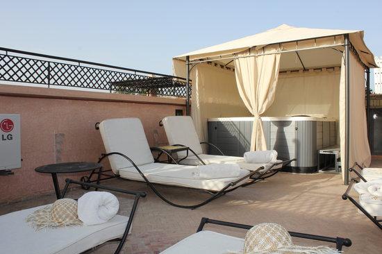 Dar Sholmes: Nouvel espace jacuzzi sur terrasse