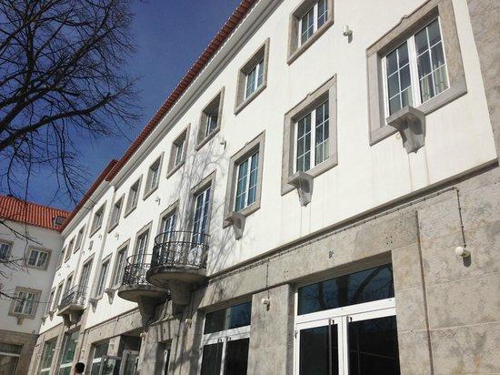 Jeronimos 8: Esterno hotel