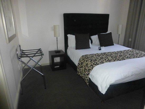 Mandela Rhodes Place Hotel: Bedroom 1