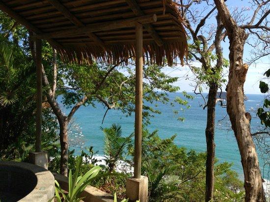 Arenas del Mar Beachfront and Rainforest Resort, Manuel Antonio, Costa Rica: Hot Tub View