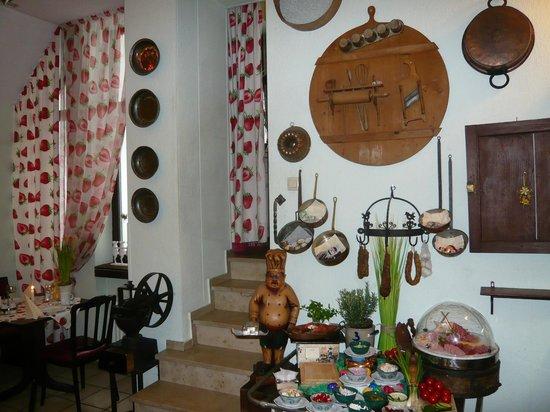 Hotel Granus: breakfast selfservice table