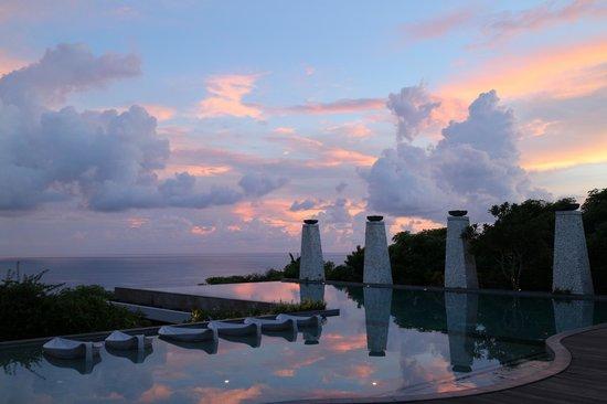 Banyan Tree Ungasan, Bali: 戶外無邊際泳池