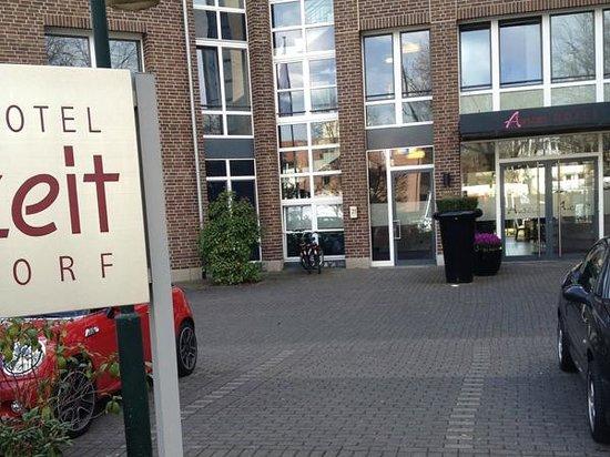 Auszeit Hotel Düsseldorf: Hoteleingang