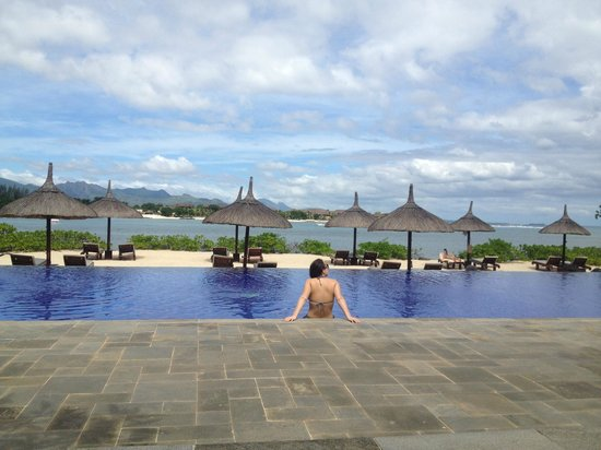 The Oberoi, Mauritius: Pool area - most quiet area