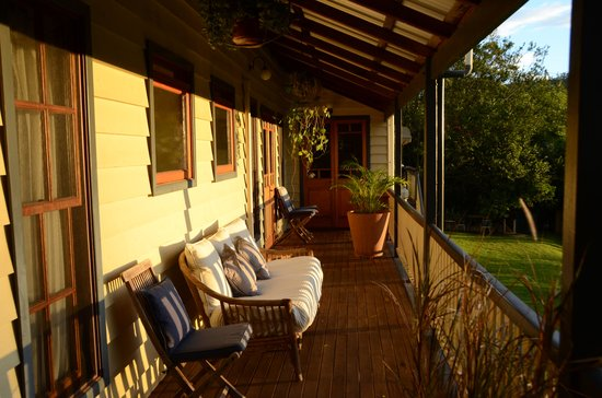 Gridley Homestead B&B: Veranda