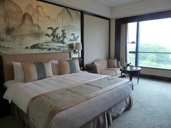 Shangri-La Hotel Guilin: River view room