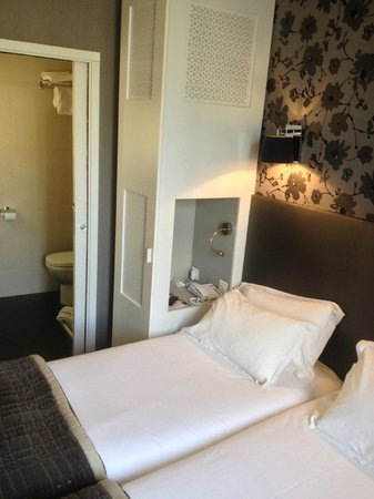 Emeraude Hotel Plaza Etoile: Room 2