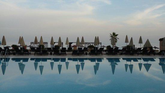 Hotel Guadalmina Spa & Golf Resort: pool area closed ;-)