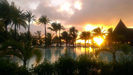 LUX* Belle Mare: sunrise view overlooking the pool