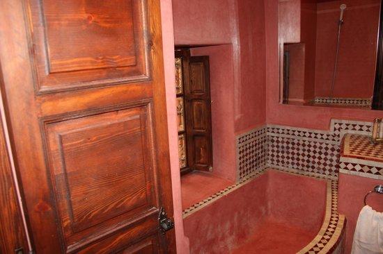 Riad 107: les couleurs chaudes du Maroc