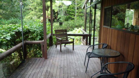 RAPAURA Watergardens : A Lodge with a view. One of the many decks.