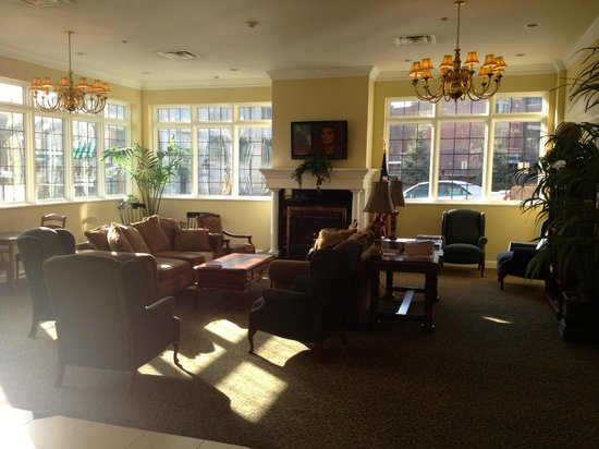 Best Western Plus Franklin Square Inn Troy/Albany: Hotel lobby lounge
