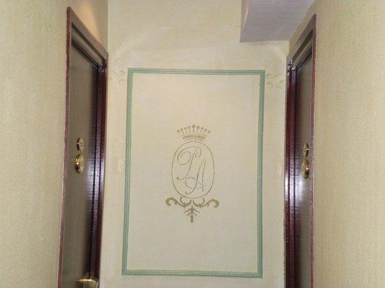 Hotel Prince Albert Wagram: corridoio