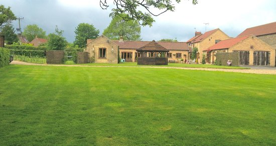 Carters Barn - Home on the Wolds: Home On The Wolds