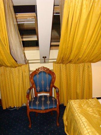 Hotel General: Room skylights