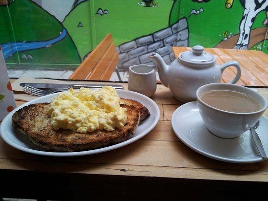 Fleet River Bakery: Scrambled Eggs with sour-dough toast, Tea