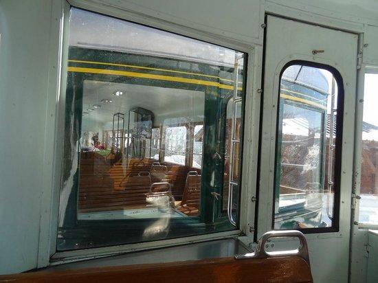 Tramway du Mont-Blanc: Vue sur l'autre voiture