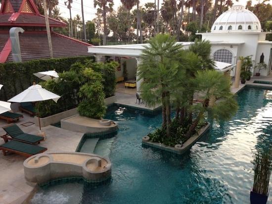 Chanalai Romantica Resort: the pool