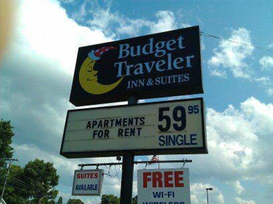 Budget Traveler Inn & Suites: Sign