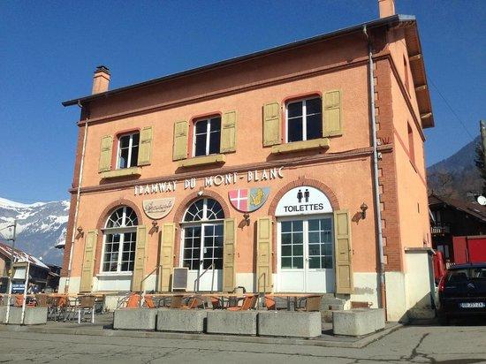 Tramway du Mont-Blanc: Gare