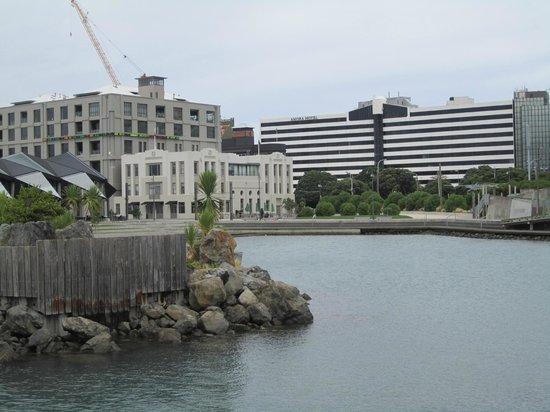 Amora Hotel Wellington: View of hotel