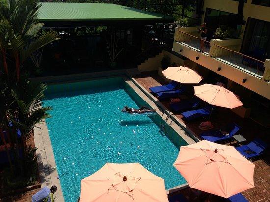 CC's Hideaway: Pool